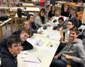 Débat en anglais pour des lycéens de Sainte Thècle