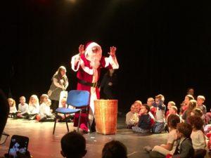Les écoliers fêtent Noël à Billom