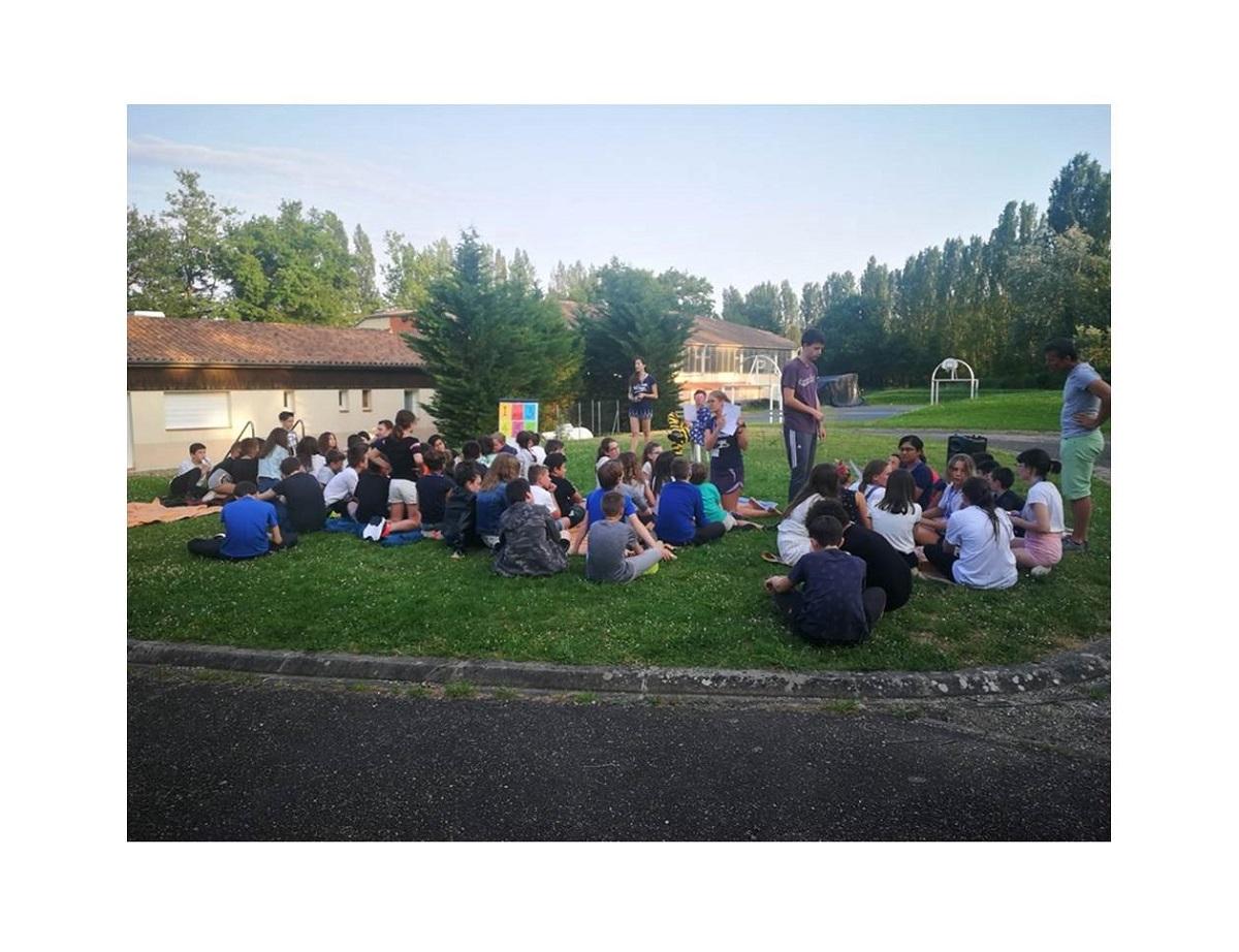 Immersion linguistique dans l'American village de Miramont pour les 6ème de Billom