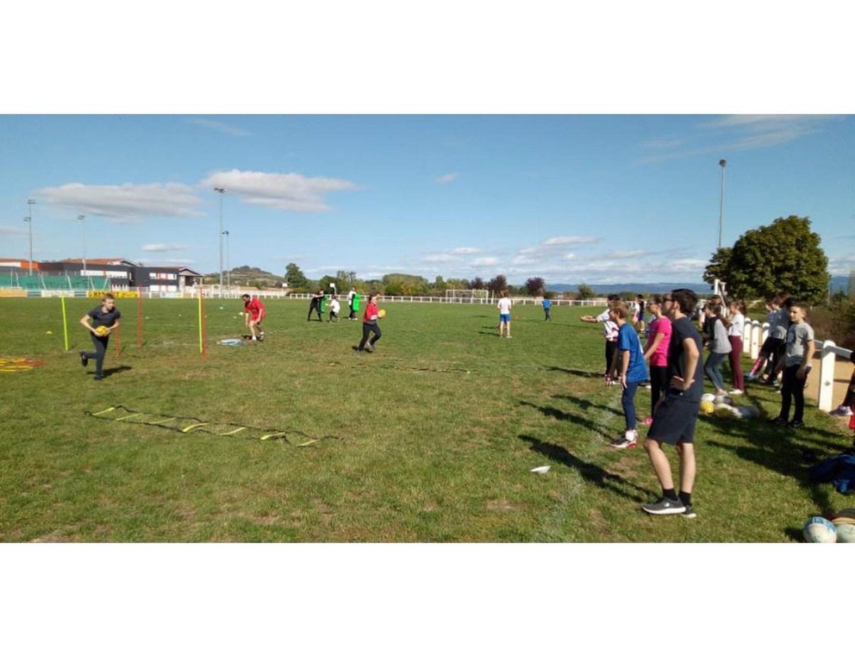 Initiation au rugby pour les élèves de Maringues