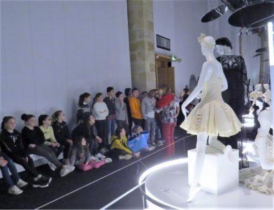 Une visite magique au Musée National du Costume de Moulins – Notre Dame, Billom