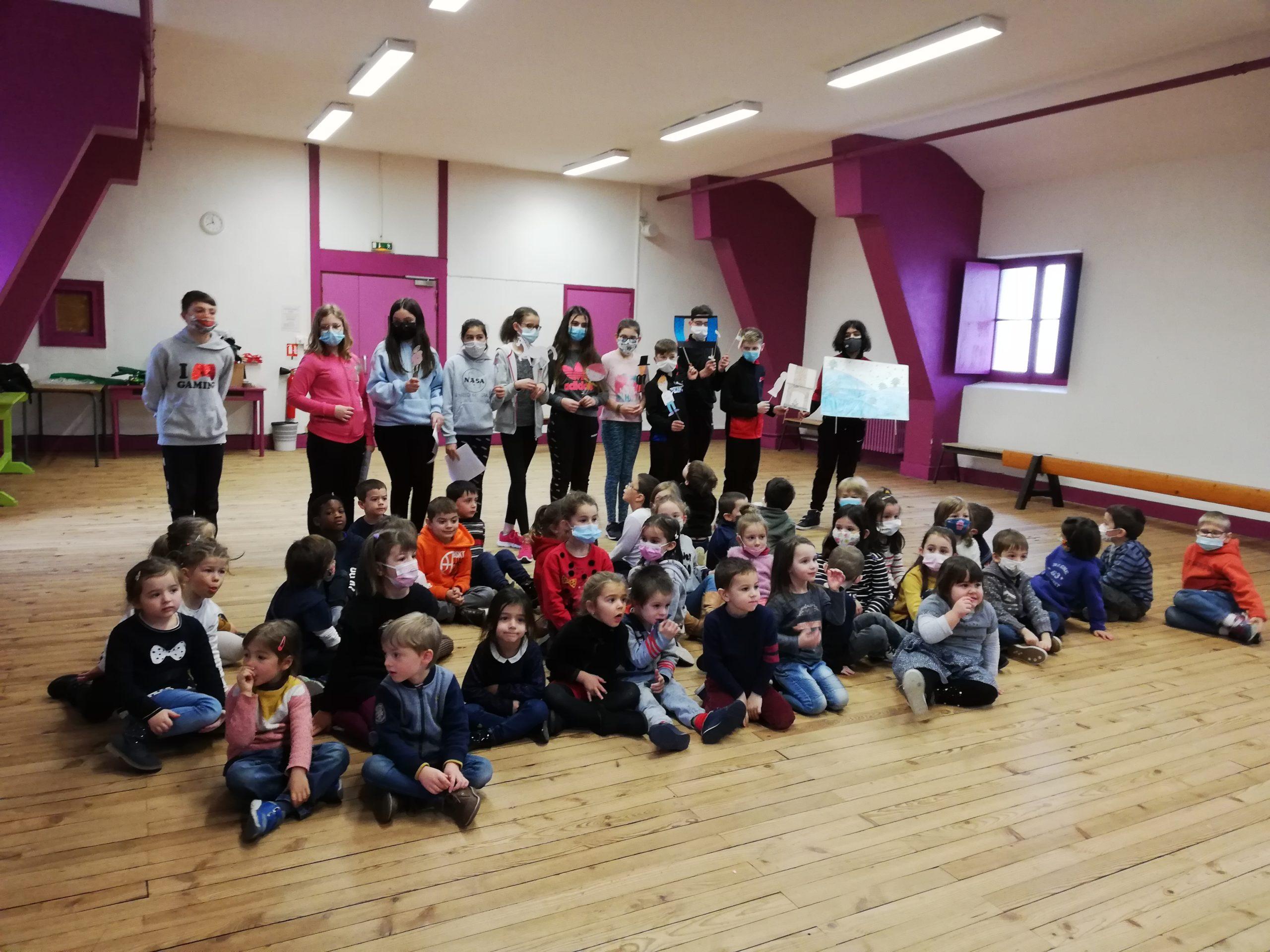 Rencontre entre écoliers et collégiens au Collège Ste Jeanne d'Arc de Thiers