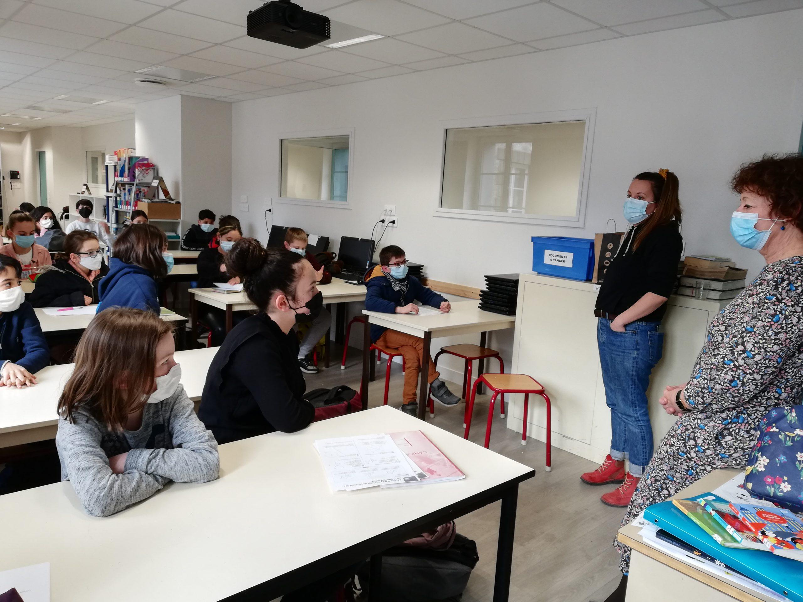 Un écrivain au collège Ste Jeanne d'Arc de Thiers